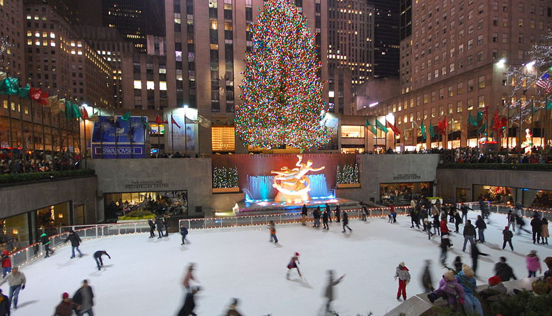 new_york_christmas_tree_and_skating-rink2