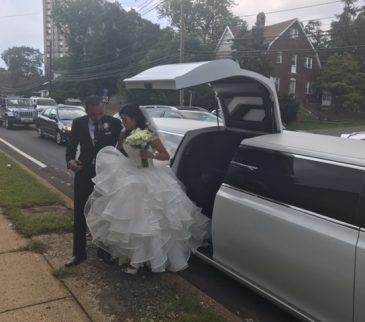 Chrysler-300-stretch-wedding-limo (1)