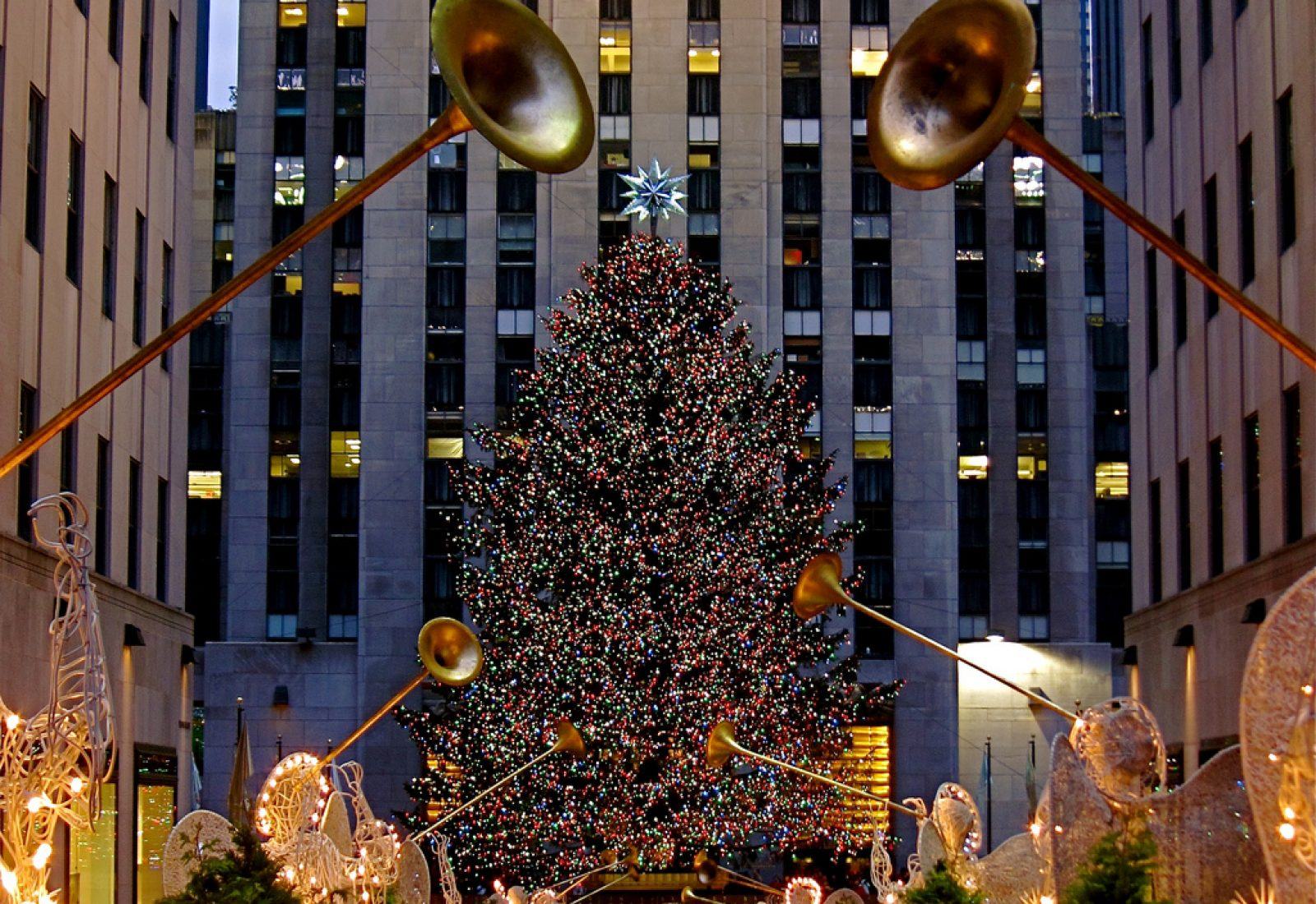 12 Christmas Tree Lightings You Won\'t Want To Miss